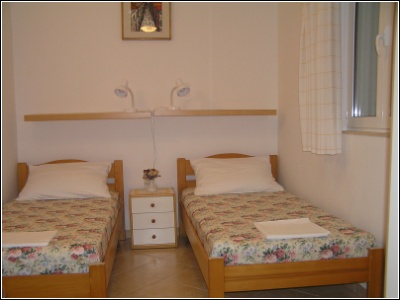 1B - two single beds